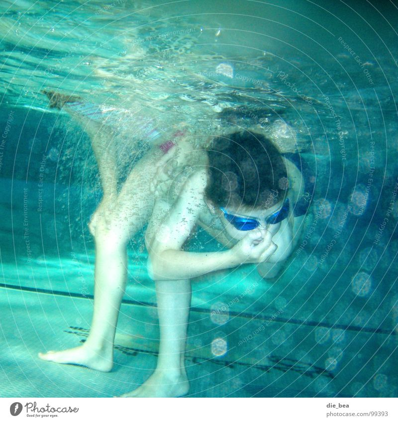 Legs Arm Swimming pool Dive Tile Air bubble Diving goggles Swimming goggles