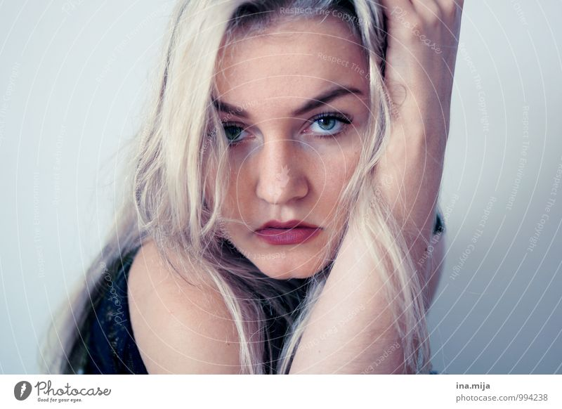 Young blonde woman Human being Feminine Young woman Youth (Young adults) Face 18 - 30 years Adults Blonde Long-haired Uniqueness pretty Eroticism Emotions Moody