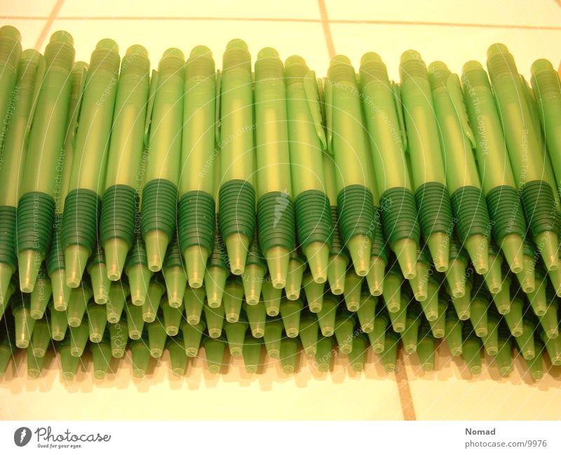 100 green kullis. Ballpoint pen Green White Flow Bathroom