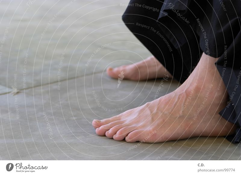 after training Toes Joint Floor mat Vessel Green Black Human being Feet Skin Barefoot