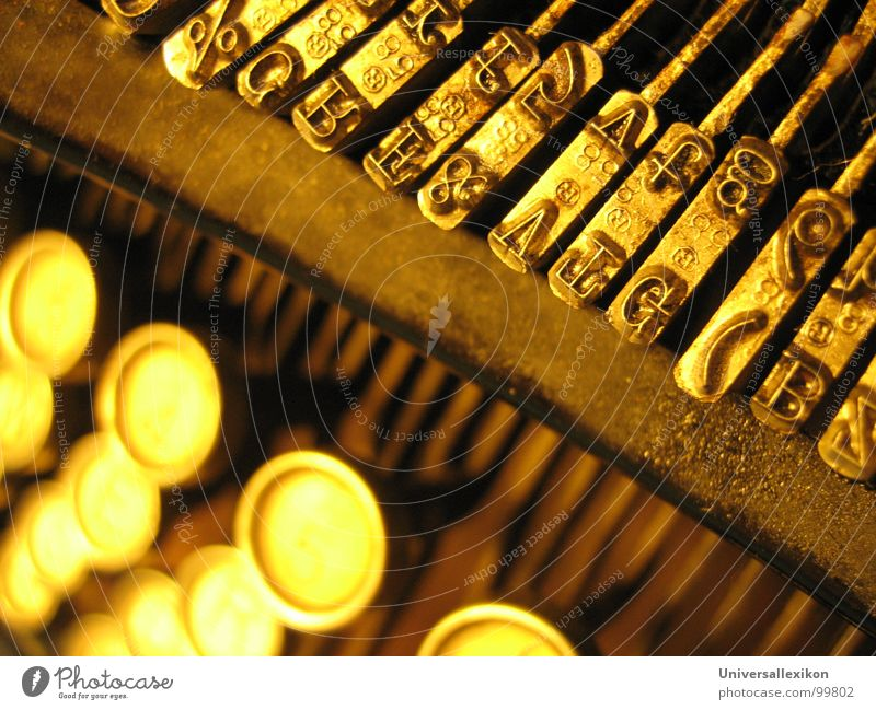 Views of ORGA / 1 Typewriter Letters (alphabet) Macro (Extreme close-up) Close-up Communicate Gold Old Touch